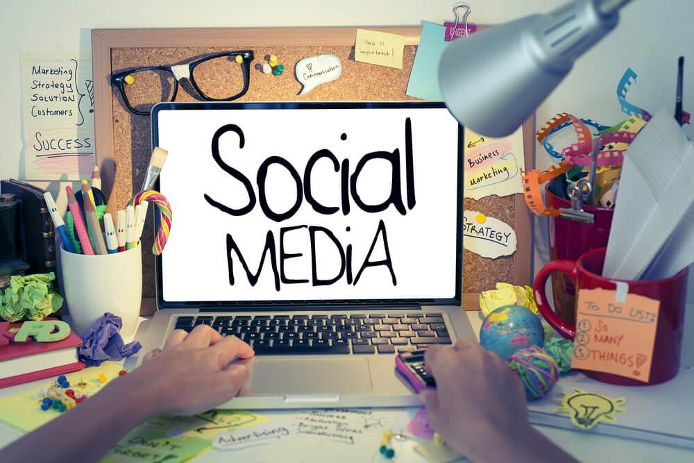 Jasa manajemen akun sosial media