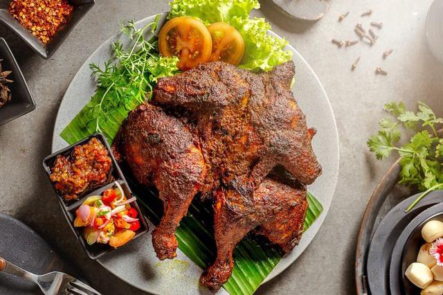 Ayam Sampyok, lauk makanan khas betawi