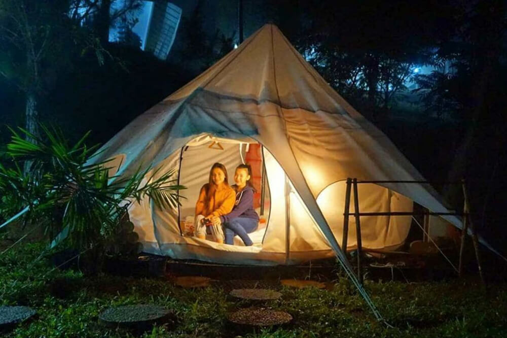 Bravo Adventure, Wisata Camping Mewah di Sukabumi